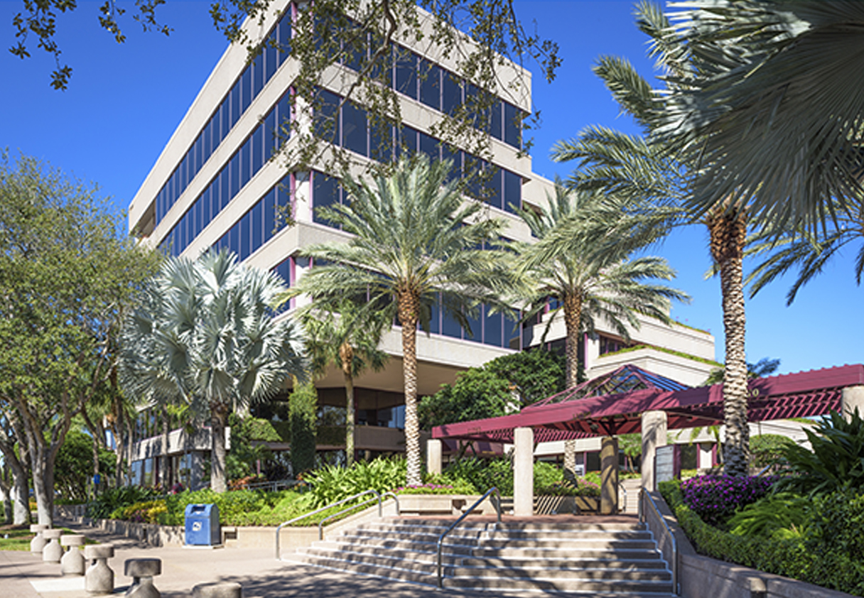 CBRE ARRANGES 49 MILLION SALE OF GOLDEN BEAR PLAZA IN PALM BEACH GARDENS FLORIDA
