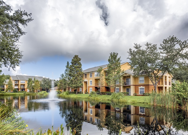 CBRE ARRANGES SALE OF 329-UNIT GATEWAY LAKES IN PINELLAS PARK