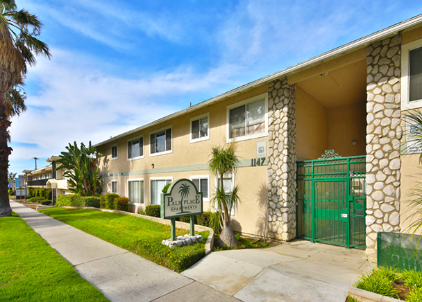 Palm Place Apartments | Riverside, CA
