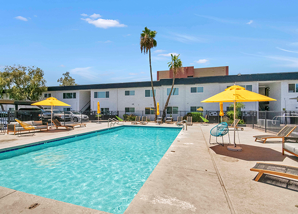 CBRE facilitated the $15.1 Million sale of 454 West Apartments in Mesa, Ariz.