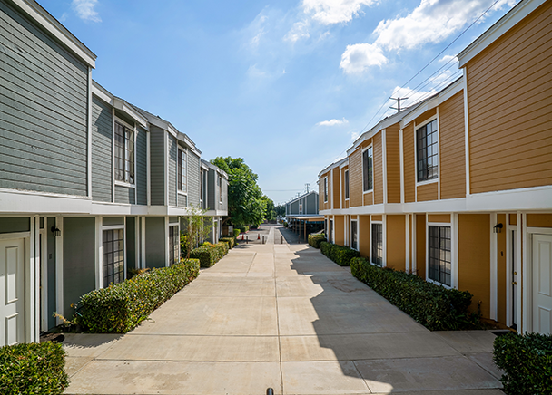 18-Unit Multifamily Community in Paramount, Los Angeles County, Sells to Private Investor for $4.7 Million – CBRE