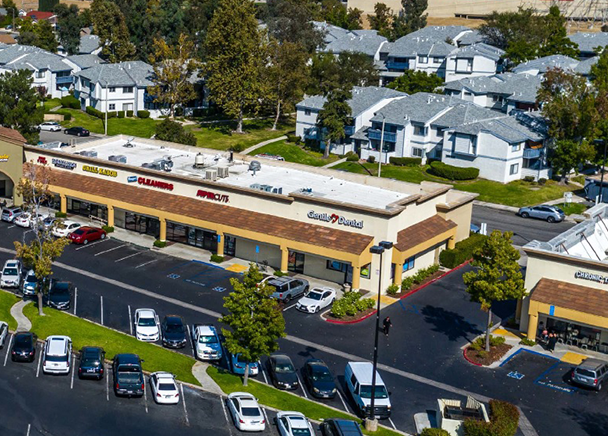CBRE Secures $19.9 Million in Financing for the Acquisition of Three Retail Centers in Southern California