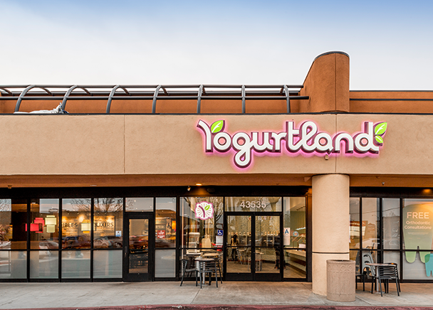 CBRE Announces Sale of Retail Property in Lancaster, CA for 5.65% Capitalization Rate to Ares Commercial