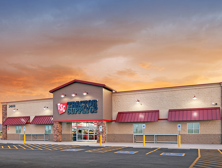 CBRE Arranges $5.3 Million Sale of Tractor Supply Building in Queen Creek, AZ