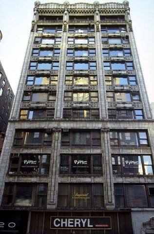 NY_New_York_20_W_37th_Street_3455[1].jpg