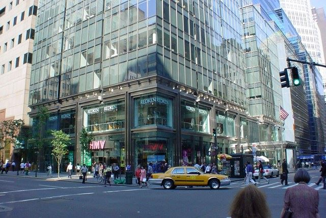 565 Fifth Avenue - Entrance View.jpg
